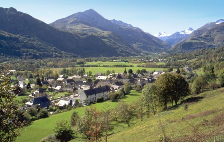 village-d-aucun-dans-le-val-dazun